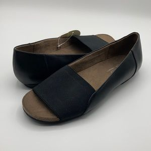 NWT Natural Soul Black Open Toe Flat Shoe Size 8.5